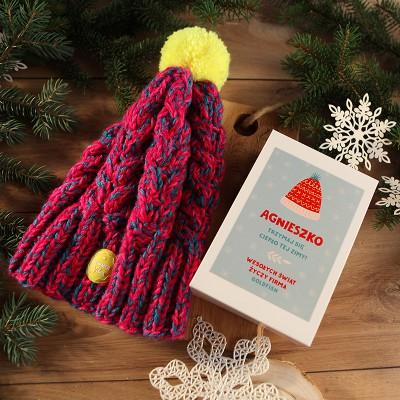 CZAPKA RĘCZNIE ROBIONA w Polsce na świąteczny prezent firmowy w pudełku Z LOGO
