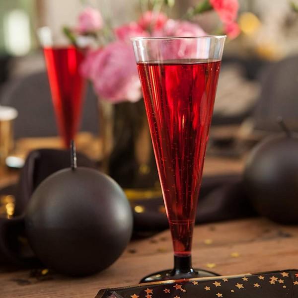 KIELISZKI do szampana z czarną nóżką 4szt