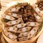 KOSZ prezentowy świąteczny firmowy z krówkami Z NAZWĄ Leśny