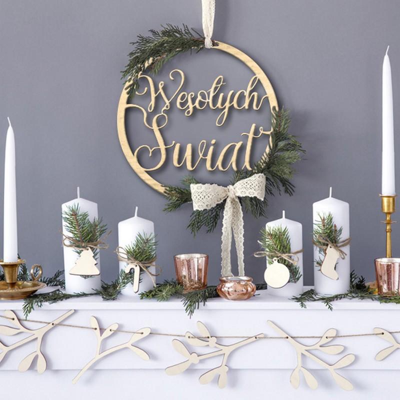 Drewniane zawieszki świąteczne z napisem Wesołych Świąt