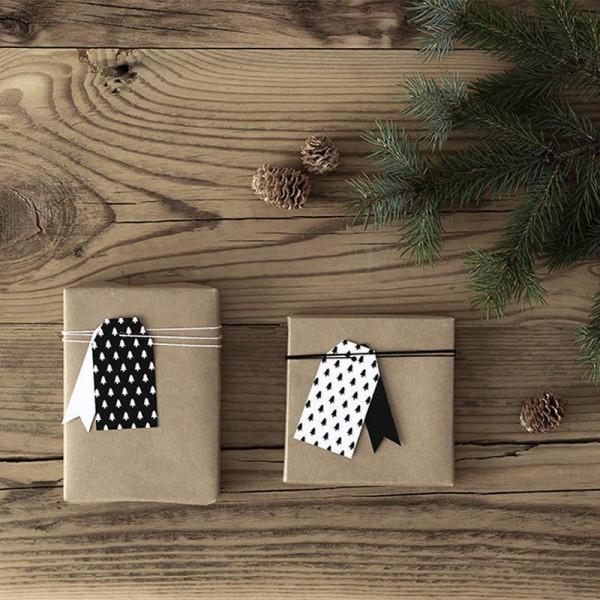 ZAWIESZKI świąteczne choinki biało-czarne 12szt MIX 3,9x7cm