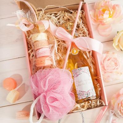 PREZENT świąteczny Box Z PODPISEM Wino+makaroniki mydełka LUX