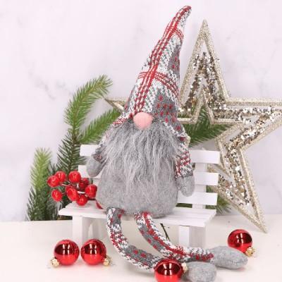 SKRZAT świąteczny krasnal w czapce w kratkę siedzący 41cm
