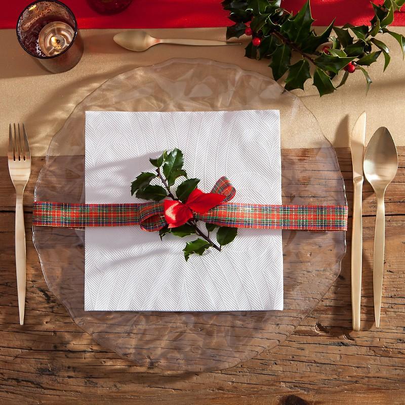 Serwetki świąteczne z eleganckim tłoczeniem