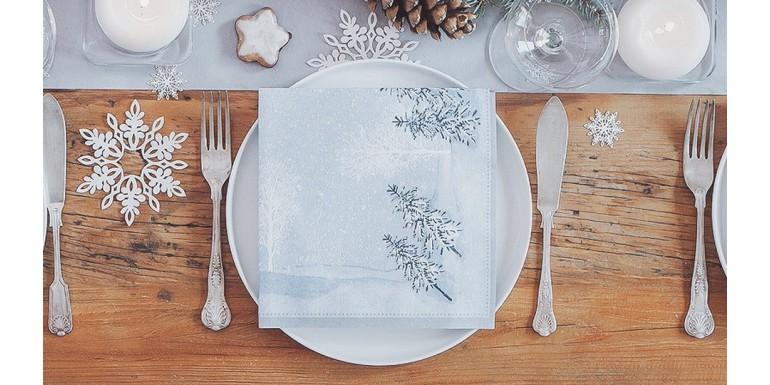 Dekoracje stołu na Boże Narodzenie - świąteczne serwetki, bieżniki, obrusy