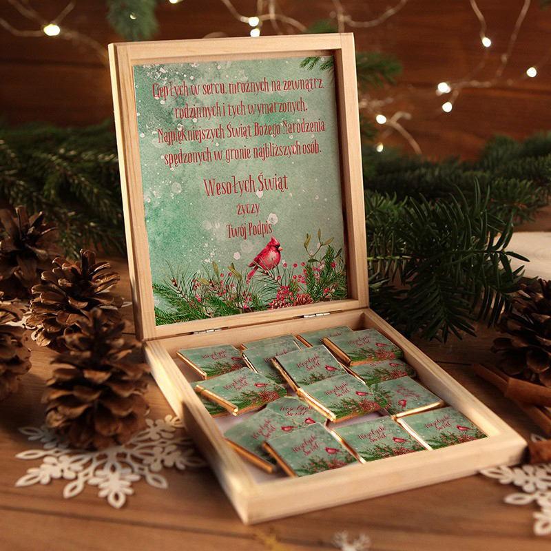 Drewniane pudełko z czekoladkami Zimowy Ptaszek